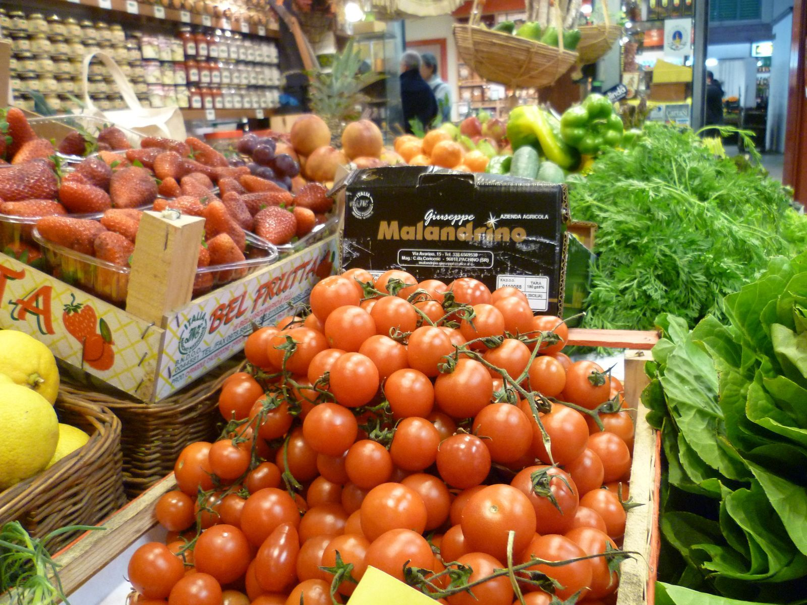 Mercato Centrale Grocery Store, Image of Fresh Vegetables for Online Italian Cooking Class